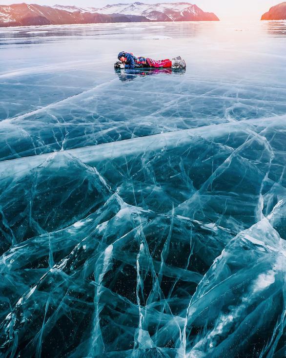 Thăm hồ nước ngọt sâu nhất, lâu đời nhất thế giới - Ảnh 8.