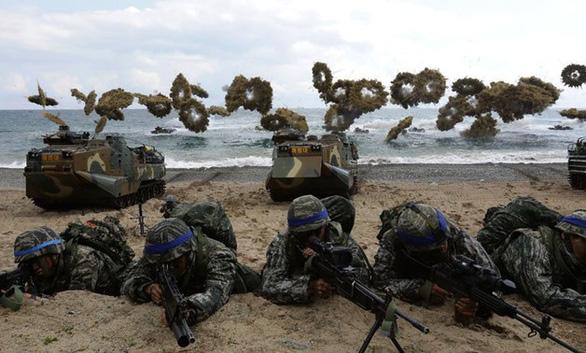 Bất chấp 'tên lửa' Triều Tiên, Hàn - Mỹ vẫn tập trận chung 2 tuần - Ảnh 1.