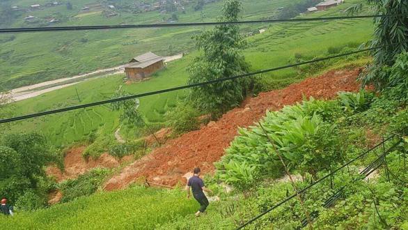 Sạt lở đất ở Sa Pa, một người bị vùi lấp chết - Ảnh 1.