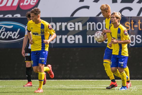 Video Công Phượng đi bóng như... Messi rồi kiến tạo cho đồng đội ghi bàn ở Sint-Truidense - Ảnh 5.