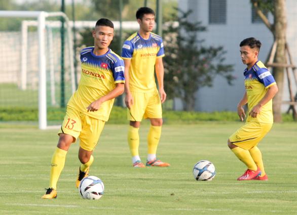 Thầy Park quần thảo các cầu thủ tấn công U22 Việt Nam - Ảnh 1.