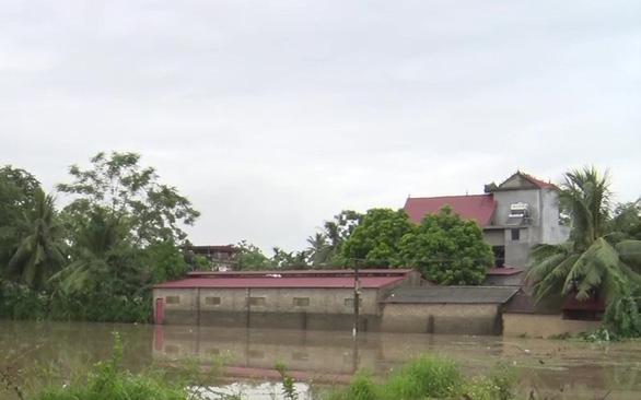 Hơn 600 nhà dân miền núi Thanh Hóa ngập trong lũ - Ảnh 3.