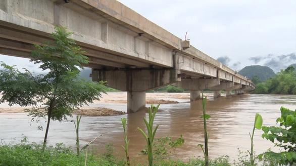 Hơn 600 nhà dân miền núi Thanh Hóa ngập trong lũ - Ảnh 2.