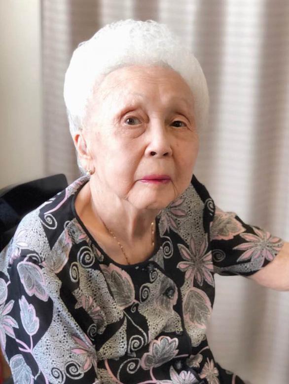 Nghệ sĩ Thái Thị Liên đón tuổi 101 bên NSND Đặng Thái Sơn và con cháu - Ảnh 2.