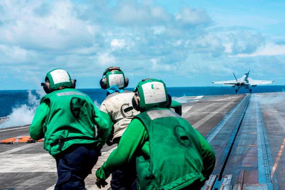 Tàu sân bay Mỹ USS Ronald Reagan đến Philippines sau khi tuần tra Biển Đông - Ảnh 5.