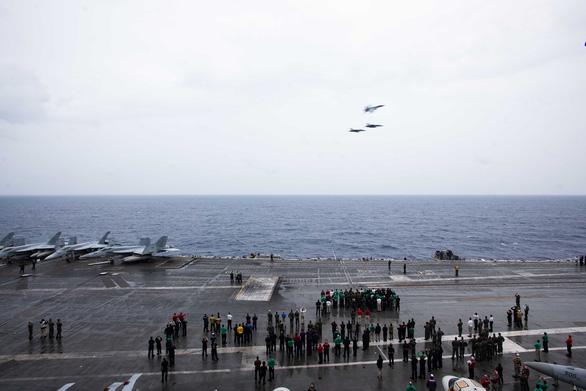 Tàu sân bay Mỹ USS Ronald Reagan đến Philippines sau khi tuần tra Biển Đông - Ảnh 7.