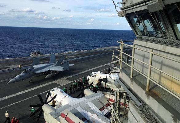Tàu sân bay Mỹ USS Ronald Reagan đến Philippines sau khi tuần tra Biển Đông - Ảnh 2.