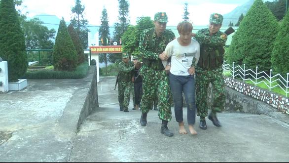 Bắt hai đối tượng hiếp dâm, giết người vượt biên sang Trung Quốc - Ảnh 1.