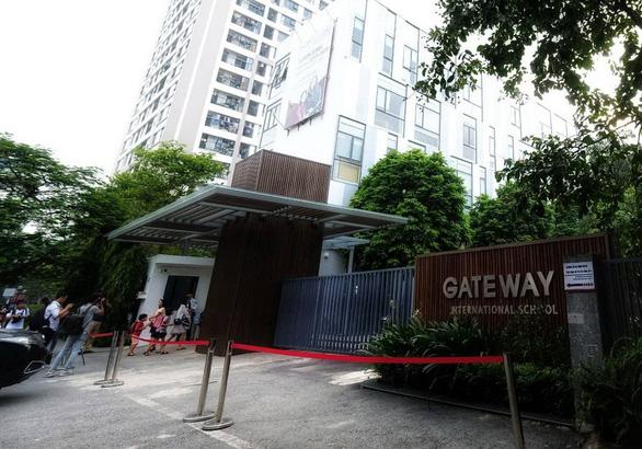 Trực tiếp họp báo vụ bé lớp 1 Trường Gateway tử vong: khởi tố vụ án vô ý làm chết người - Ảnh 6.