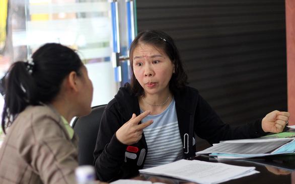 Cô giáo quỳ ở UBND tỉnh: Tôi bị xúc phạm và oan ức - Ảnh 3.