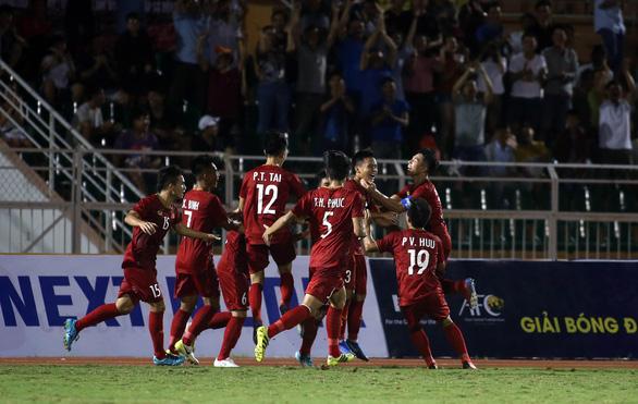 U18 Việt Nam may mắn thắng Malaysia trận ra quân - Ảnh 2.