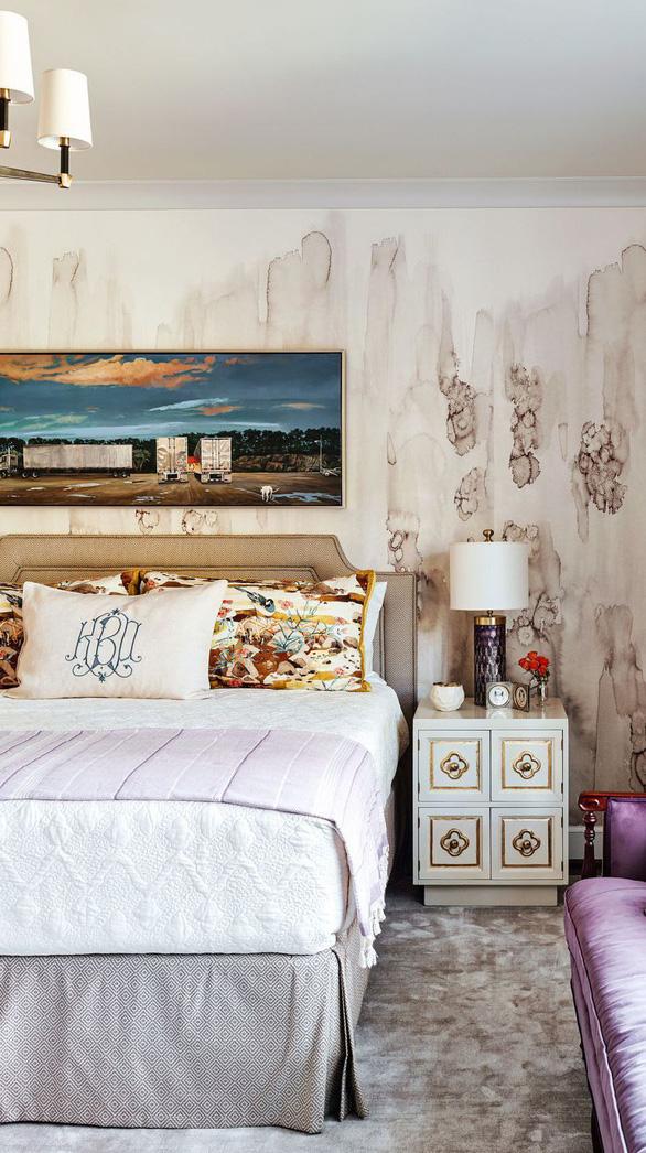 10 mẫu giấy dán tường ấn tượng làm tăng nét cá tính cho phòng ngủ - Ảnh 1.