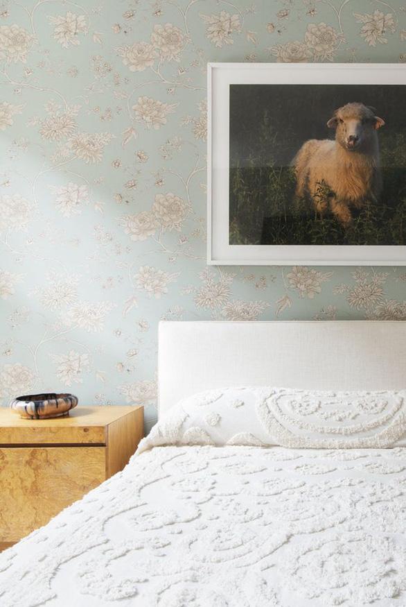 10 mẫu giấy dán tường ấn tượng làm tăng nét cá tính cho phòng ngủ - Ảnh 3.
