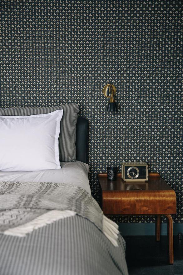 10 mẫu giấy dán tường ấn tượng làm tăng nét cá tính cho phòng ngủ - Ảnh 10.