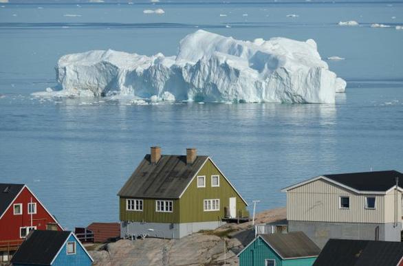 Nắng nóng khủng khiếp, Greenland mất 197 tỉ tấn băng trong một tháng - Ảnh 2.