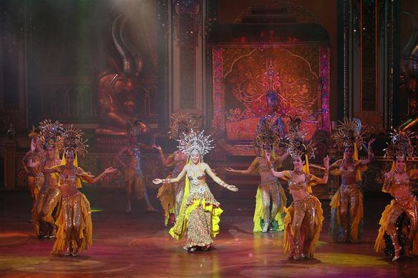 """Vũ hội Ánh Dương"""" nâng tầm nghệ thuật giải trí quốc tế tại Việt Nam - Ảnh 2."""