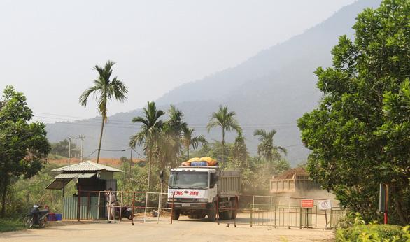 Đà Nẵng khôi phục đường bộ lên đỉnh Bà Nà - Ảnh 1.