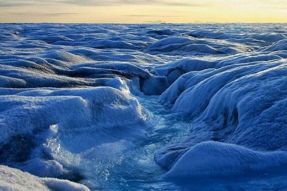 Nắng nóng khủng khiếp, Greenland mất 197 tỉ tấn băng trong một tháng - Ảnh 4.