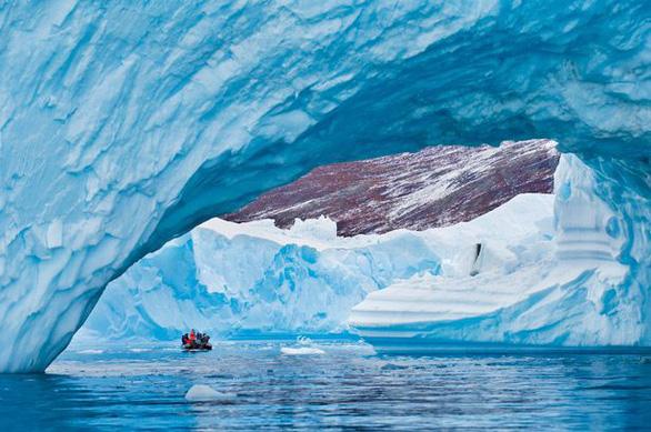 Nắng nóng khủng khiếp, Greenland mất 197 tỉ tấn băng trong một tháng - Ảnh 5.