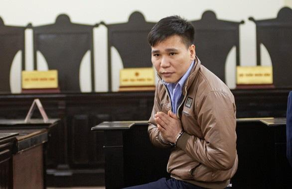 Ca sĩ Châu Việt Cường được giảm 2 năm tù, bật khóc khi nhắc đến mẹ mới mất - Ảnh 1.