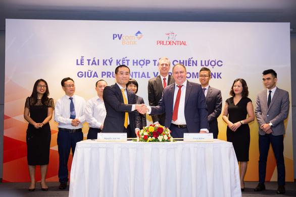 Prudential Việt Nam và PVcomBank tái ký hợp tác độc quyền - Ảnh 1.