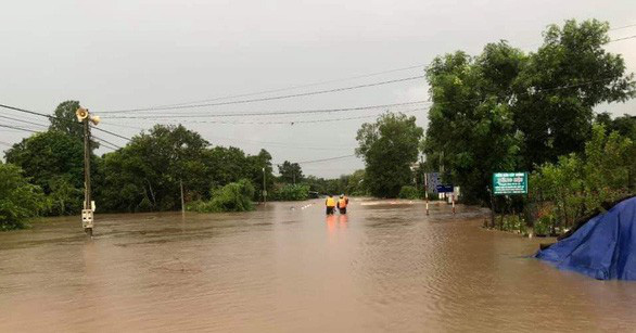 Áp thấp nhiệt đới suy yếu, Nam Bộ mưa vào chiều tối - Ảnh 2.