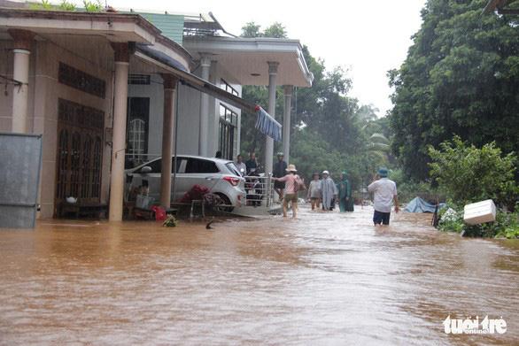 Nam Bộ, Tây Nguyên tiếp tục mưa dông, Trung Bộ nắng nóng - Ảnh 1.