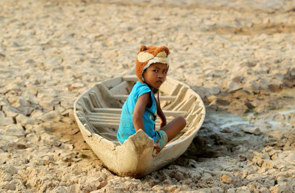 Nông dân Lào, Thái mất mùa, Trung Quốc lại chặn đập Cảnh Hồng bảo trì lưới điện - Ảnh 1.