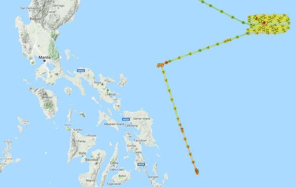 Dân Philippines sục sôi vì 2 tàu khảo sát Trung Quốc vào EEZ của mình - Ảnh 2.