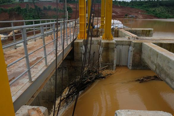 Sự cố đập thủy điện Đắk Kar: trường hợp xấu nhất là nổ mìn xả lũ - Ảnh 4.