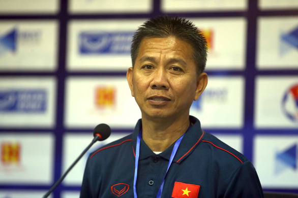 HLV Hoàng Anh Tuấn: Nếu giữ được thể lực tốt, tôi nghĩ kết quả sẽ khác - Ảnh 1.