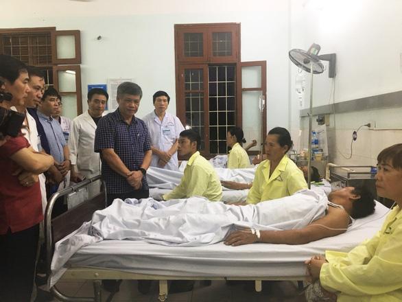 Khởi tố vụ sập giàn giáo cây xăng 1 người chết, 7 người bị thương - Ảnh 2.