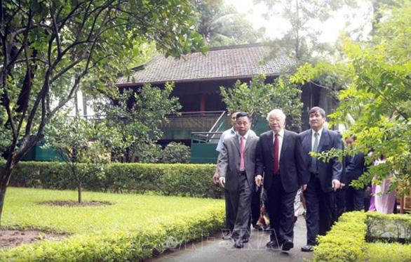 Tổng bí thư, Chủ tịch nước Nguyễn Phú Trọng dâng hương tưởng niệm Chủ tịch Hồ Chí Minh - Ảnh 5.