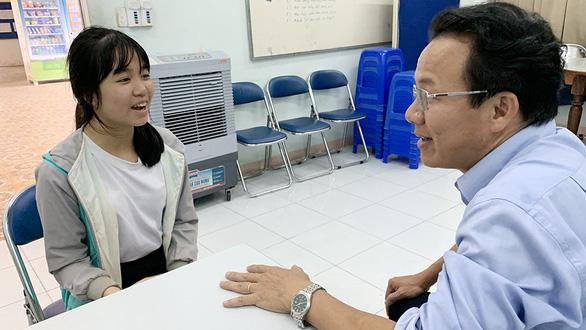 Ký túc xá ĐH Quốc gia TP.HCM giúp sinh viên khó khăn - Ảnh 1.