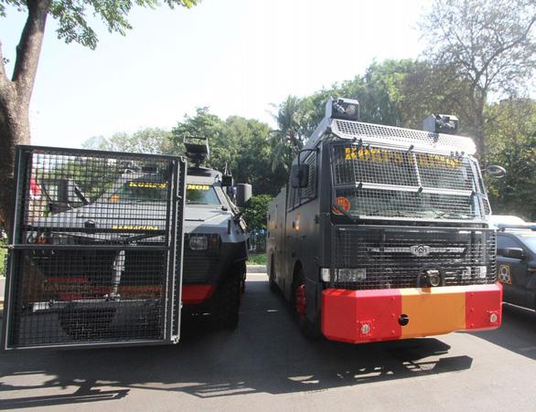 Indonesia đem xe bọc thép đến sân Bung Karno trước trận gặp Thái Lan - Ảnh 4.