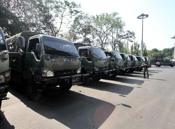 Indonesia đem xe bọc thép đến sân Bung Karno trước trận gặp Thái Lan - Ảnh 5.