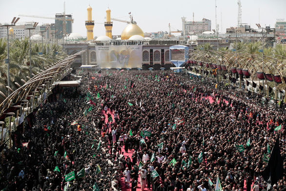 Hơn 30 người thiệt mạng vì giẫm đạp tại đền thờ Iraq - Ảnh 1.