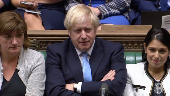 Thủ tướng Anh hứng thất bại lớn tiếp theo khi quốc hội bác bầu cử sớm - Ảnh 1.