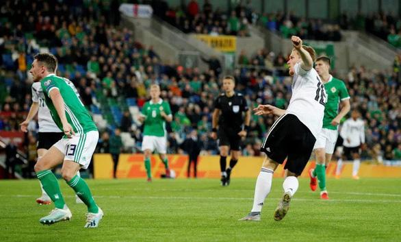 Hậu vệ có cú vôlê trái phá, Đức tìm lại mạch thắng tại vòng loại Euro 2020 - Ảnh 1.