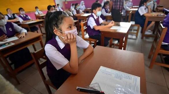 Bị láng giềng lây ô nhiễm, Malaysia đóng cửa hơn 400 trường học - Ảnh 1.