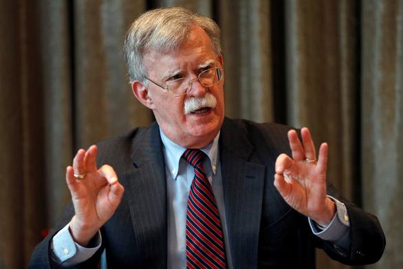 Thị trường dầu thế giới bớt căng thẳng do ông John Bolton rời Nhà Trắng? - Ảnh 1.