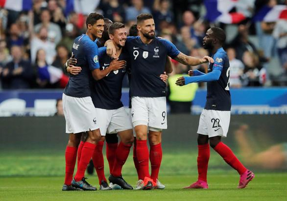 'Thần đồng' Sancho tỏa sáng, tuyển Anh lội ngược dòng đá bại Kosovo 5-3 - Ảnh 4.