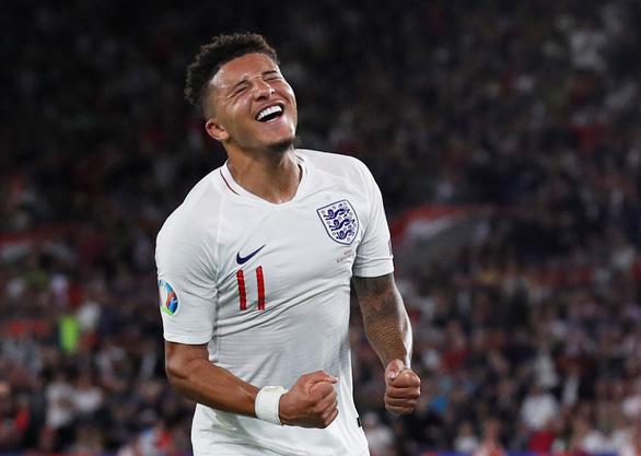 'Thần đồng' Sancho tỏa sáng, tuyển Anh lội ngược dòng đá bại Kosovo 5-3 - Ảnh 1.