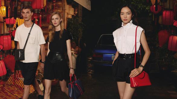 Hội An, vịnh Hạ Long, hoa sen Việt vào quảng cáo của Louis Vuitton - Ảnh 3.