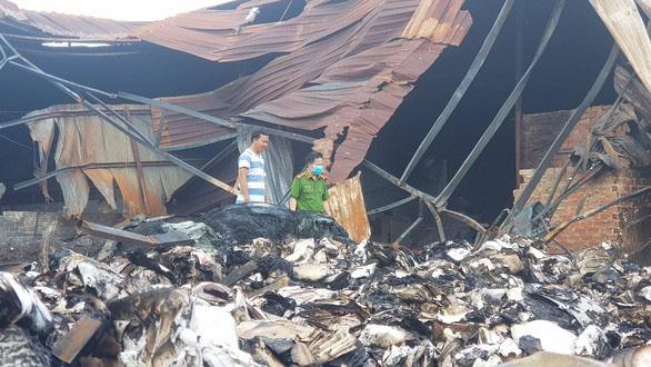 Công bố kết quả điều tra vụ cháy 40 tấn hồ sơ xe buýt ở TP.HCM - Ảnh 2.