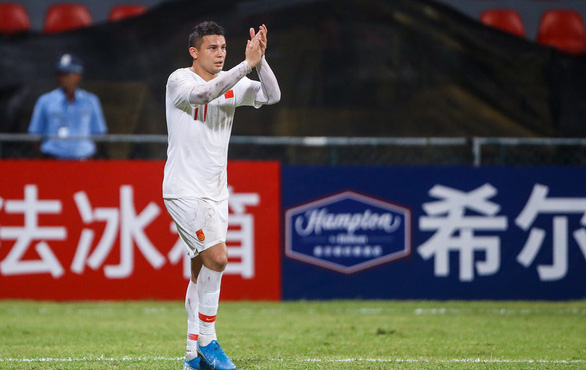 Cầu thủ nhập tịch Elkeson chính thức đi vào lịch sử bóng đá Trung Quốc - Ảnh 1.