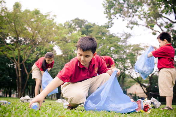Học sinh Trường quốc tế Việt Úc nỗ lực nói không với rác thải nhựa - Ảnh 1.