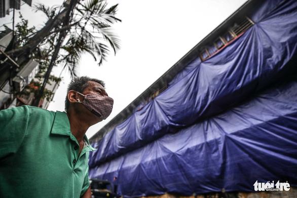 Chính phủ yêu cầu Chủ tịch Hà Nội làm rõ mức độ ô nhiễm vụ cháy Rạng Đông - Ảnh 1.