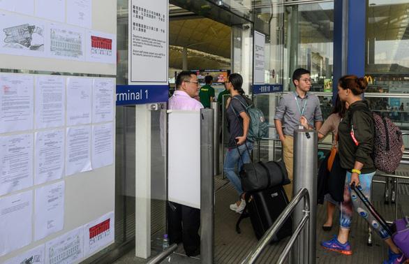 Lượng khách du lịch đến Hong Kong giảm mạnh trong tháng 8 - Ảnh 1.