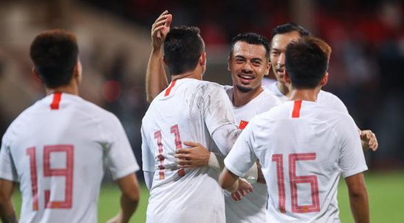 Cầu thủ nhập tịch Elkeson chính thức đi vào lịch sử bóng đá Trung Quốc - Ảnh 2.